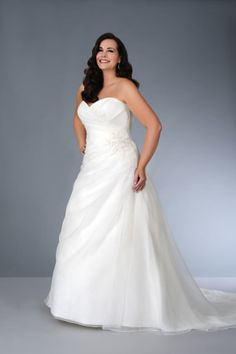 Style sv1571 Strapless a-line Wedding Gown for a fuller figured plus size bride