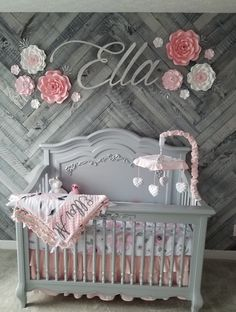 Pink and Gray Floral Baby Blanket with Name - Personalized Baby Blanket Girl - Soft Toddler Minky Bedding - Custom Newborn Gift Gift Idea - Top Trends Baby Girl Room Decor, Baby Room Themes, Baby Room Design, Baby Bedroom, Girl Nursery, Nursery Room, Nursery Ideas, Baby Girl Blankets, Baby Cribs