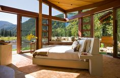 Magni Design - Aspen | Organic Elegance - A modern bedroom open to the wind and sky