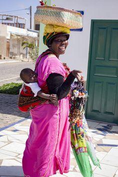 CAP-VERT - L'île de Sal - Les pieds dans le vide Cap Vert, Vide, Cabo, Saree, Fashion, African, Travel, Moda, Fashion Styles