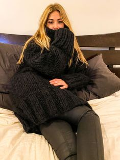 Thick Sweaters, Wool Sweaters, Pullover Sweaters, Gros Pull Mohair, Wool Scarf, Autumn Fashion, Turtleneck Outfit, Chunky Knits, Turtle Neck