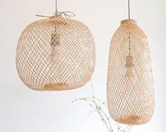 Handgemachte Rattan Lampe Wicker Lampe Boho Stil Lampenschirm | Etsy Bamboo Pendant Light, Bamboo Light, Bamboo Lamp, Bamboo Ceiling, Bangkok Thailand, Rattan Lampe, Pendant Lighting, Pendant Lamps, Wood Chandelier