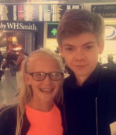 Thomas and a fan at the airport<<<<<can that be me plz??? Omg please!