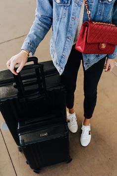 Fashion Jackson Airport Style Wearing Denim Jacket Black Skinny Jeans Gucci Sneakers Red Chanel Handbag Calpak Black Ambeur Spinner Luggage Set Calpak Luggage, Luggage Sets, Jackson Airport, Chanel Sneakers, Fashion Jackson, How To Pose, Airport Style, Chanel Handbags, Photo Sessions