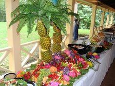 Bekijk de foto van Karenock met als titel feestversiering: palmboom van 3 (!!!) ananassen! via pinterest en andere inspirerende plaatjes op Welke.nl.