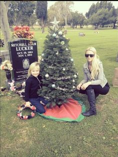 Kena and Jolie at Mitch's grave... When I first saw this I cried my eyes out.