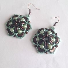 Green and brown Chocoholic earrings with seed beads by La pietra blu di Avalon