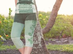 Moving freely through a Vinyasa is a sensational feeling. Listening to your body, feeling muscle by muscle stretch, and the beat of your heart in tune with a gentle breath can be an indescribable experience. Having the right pair of yoga pants makes all the difference as you are able to focus on the practise, and not on the restrictions of clothing. Our hand dyed yoga pants are lovingly hand dyed and block printed to your specifications with a dedication to effortlessly comfort. We offer a…