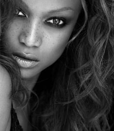 Tyra Banks (what can I say, the girl can SMIZE)