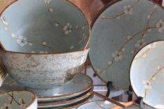 Soshun =)   De Soshun  (Vroege Lente) Collectie is een complete Serie van Mintgroen Tafelgerei, gedecoreerd met sfeervolle Japanse kersenbloesems.
