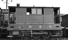 """""""Toby"""" LNER J70 with the skirts removed, showing similarity to Piko model's wheel arrangement and valve gear."""