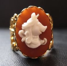 MISS PIGGY CAMEO 12K GOLD P FILIGREE VINTAGE RING Meg Craig, this is for you (to match your necklace)
