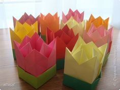 """I-am arătat tyulpanchiki-cutii cu bomboane http://stranamasterov.ru/node/1011679.  Pentru cei care sunt interesați - MK.  Ideea cărții S.Sokolovoy """"flori de hârtie, buchete, Kusudama.""""  fotografie 1"""