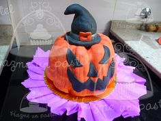 Halloween cake!!!! Seguinos en facebook... https://www.facebook.com/pages/Hazme-un-pastel/471162906326169