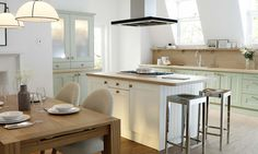 Wren Kitchens: Country Cream Kitchen - This warm and delightful design is family friendly and welcomes you to enjoy its elegant style. It's a real classic.