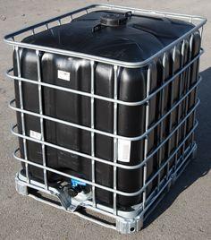 Nádrž 1000L nová, včetně klece a palety, černá, vhodná pro pitnou vodu.