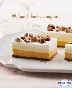 Layers of pumpkin pie, vanilla pudding and ginger cookies are all we need to welcome fall. Celebrate the return of autumn with these shareable Layered Pumpkin Dessert bars! #recipe #dessert