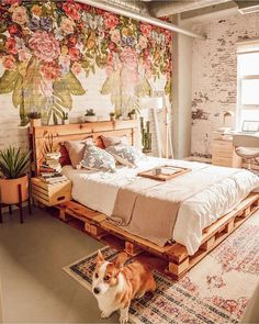 Use Pallet Wood Projects to Create Unique Home Decor Items Pallet Furniture, Bedroom Furniture, Bedroom Decor, Wood Pallet Beds, Pallet Bed Frames, System Furniture, Pallet Couch, Deck Furniture, Diy Pallet