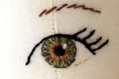 fabric doll eyes knitting-and-sewing-patterns-ideas-inspirationHow to make doll eyes - wish I'd seen this when I was knitting dolls - love how the eye looks so real.How to embroider, draw or paint doll eyes on fabric. I love this eye! For Ingrid - Doll ma Cross Stitch Embroidery, Embroidery Patterns, Hand Embroidery, Sewing Patterns, Crochet Patterns, Rag Doll Patterns, Simple Embroidery, Handmade Dolls Patterns, Fabric Doll Pattern