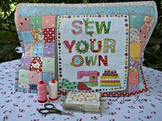 """Sew and Sow Farm: """"Sew Your Own"""" Sewing Machine Cover Quilting Projects, Sewing Projects, Fabric Crafts, Sewing Crafts, Appliance Covers, Sew Mama Sew, Sewing Hacks, Sewing Tips, Sewing Ideas"""