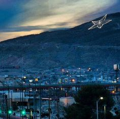 You do not give your heart to El Paso. El Paso slowly steals it. You may move away, but you'll never leave. Very True !