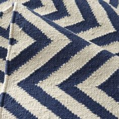 Chevron And On Rug Dk Blue