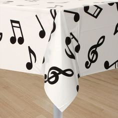 Musical Notes Table Cover at Birthday Direct Music Theme Birthday, Music Themed Parties, 16th Birthday, First Birthday Parties, Birthday Party Themes, First Birthdays, Magic Birthday, Queen Birthday, Birthday Centerpieces