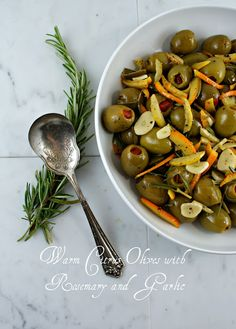 Authentic Suburban Gourmet: Warm Citrus Olives with Rosemary and Garlic Phillips-Barton Phillips-Barton Olive Recipes, New Recipes, Vegan Recipes, Cooking Recipes, Favorite Recipes, Light Appetizers, Appetizer Recipes, Tapas, Mezze