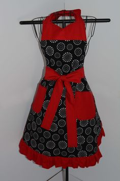 Reversible Apron in Floral and Polka Dot Prints - pinned by pin4etsy.com