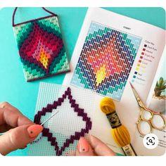 Motifs Bargello, Broderie Bargello, Bargello Patterns, Bargello Needlepoint, Bargello Quilts, Embroidery Stitches Tutorial, Embroidery Techniques, Cross Stitch Embroidery, Embroidery Patterns