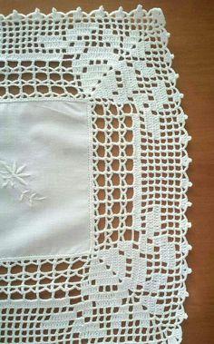 Lapghans Crochet - Basic Embroidery Stitches Embroidery stitch for beginners Filet Crochet, Crochet Borders, Crochet Squares, Crochet Motif, Crochet Doilies, Crochet Flowers, Hand Crochet, Crochet Lace, Crochet Potholders