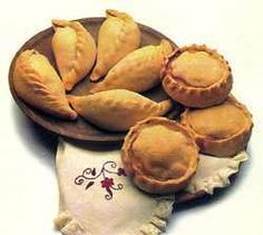 'Robiols' i 'Panades' - Island of Mallorca, Spain. Savory Tart, Majorca, Spanish Food, Wines, Snack Recipes, Chips, Lunch, Dining, Vegetables