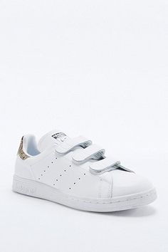 promo code bc8fb ae02e adidas Originals - Baskets Stan Smith blanches détail serpent et scratchs -  Urban Outfitters Basket Adidas