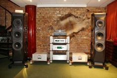 Sonus Faber driven by Acoustic Research electronic's