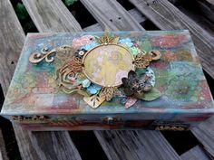 Wieczna Jesień: Mucha's Byzantin Blonde Box