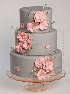 Gorgeous gray and pink wedding cake with gold dots #wedding #weddingcake #cake #pink #gray