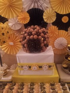 Mom To Bee Baby Shower Munchkin Honeycomb Beehive For Candy Table