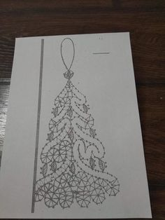 image 1 260 × 1 680 pixels Lace Christmas Tree, Christmas Ornament Sets, Christmas Diy, Bobbin Lacemaking, Crochet Snowman, Bobbin Lace Patterns, Lace Making, Thread Crochet, Machine Embroidery Designs