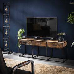 TV bord i genbrugstræ og sort patineret metal Tv Cabinets, Wall Colors, Home Decor Accessories, Drawers, Living Room, Storage, House Styles, Interior, Inspiration