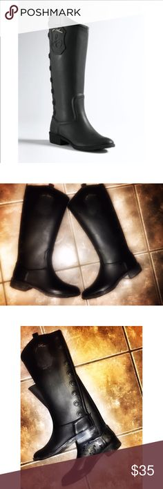 """💋Sam Edelman """"Ximon"""" Rain Boot 💋 Sz 7 Beautiful Sam Edelman Ximo Rain Boot ❤️ Boots in good condition. There is some white residue on the bottom portion of the boots. Can be cleaned with olive oil 😊 Size 7. Make this ☝🏾️treasure yours today ☺️. Don't be scared to make an offer, you never know unless you try. Bundle multiple items for the best savings. Pay one low price for shipping 🎁!   Thanks for stepping into Coco's Closet 😘 Sam Edelman Shoes Winter & Rain Boots"""