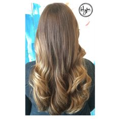 First cut and colour for the lovely Nicole in 15 years so @jessicavielstylist gave her a beautiful #sunkissed #balayage to brighten up and freshen her look. #HairbyHype #HypeVancouver #HypeHairStudio #HairGoals #Hairspiration #ModernSalon #Vancouver #OnTrend #Hairbrained