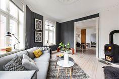 FINN – GRØNLAND: 4-roms topp-hjørneleilighet med god takhøyde, klassisk atmosfære med rosett og stukkatur. Fantastisk bakgård.