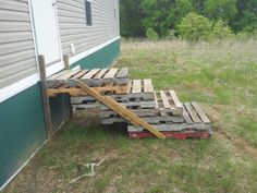 Easy Pallet Stairs