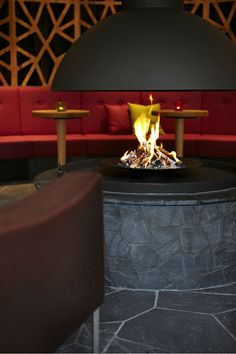 Anthony's Life and Style Hotel | Design Hotel | Austria | http://lifestylehotels.net/en/anthonys-life-style-hotel | bar, fire, fireplace, cosy