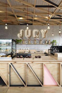 Cafetería Melbourne. Barra madera y techo trabajos carpintería. Jury cafe