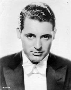 Cary Grant, circa 1920s. Oh my goshhhhh, he's so young!!!!!