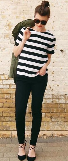 summer outfits Striped Tee + Black Skinny Jeans