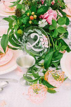 hand painted table numbers http://www.weddingchicks.com/2013/10/18/heirloom-wedding-ideas/