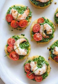 Italian Food ~ Italian Recipes: Italian Polenta Bruschetta with Shrimp and Spinach Pesto Seafood Appetizers, Seafood Recipes, Appetizer Recipes, Cooking Recipes, Healthy Recipes, Polenta Appetizer, Italian Food Appetizers, Healthy Snacks, Finger Foods