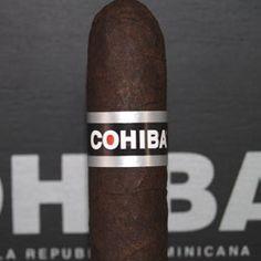 Supremo - Box of 25 cigars Cigars And Whiskey, Pipes And Cigars, Whisky, Cigar Smoking, Smoking Pipes, Cohiba Cigars, Cigar Reviews, Cigars And Women, Cigar Art